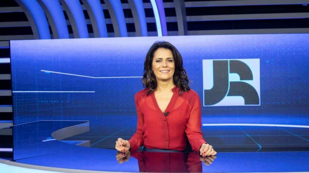 Adriana Araújo alega que foi vítima de injustiça na Record (foto: Reprodução)