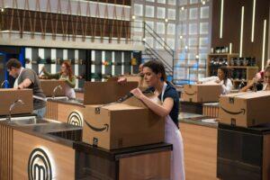 No sétimo episódio da oitava temporada, participantes do MasterChef encaram prova de utensílios (foto: Band/Carlos Reinis)