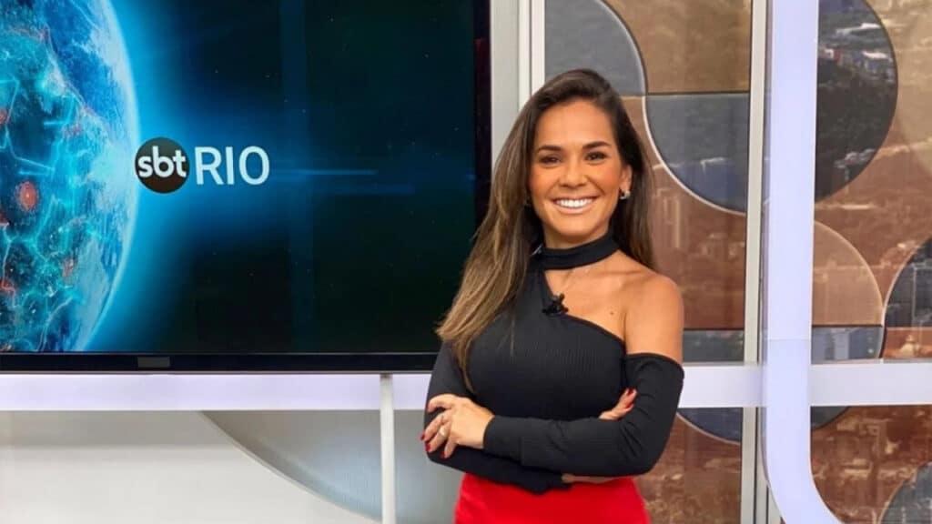 Isabele Benito é a mais nova integrante do programa Fofocalizando, do SBT (foto: Reprodução)