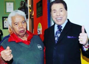 Roque e Silvio Santos nos bastidores do SBT (foto: Reprodução)
