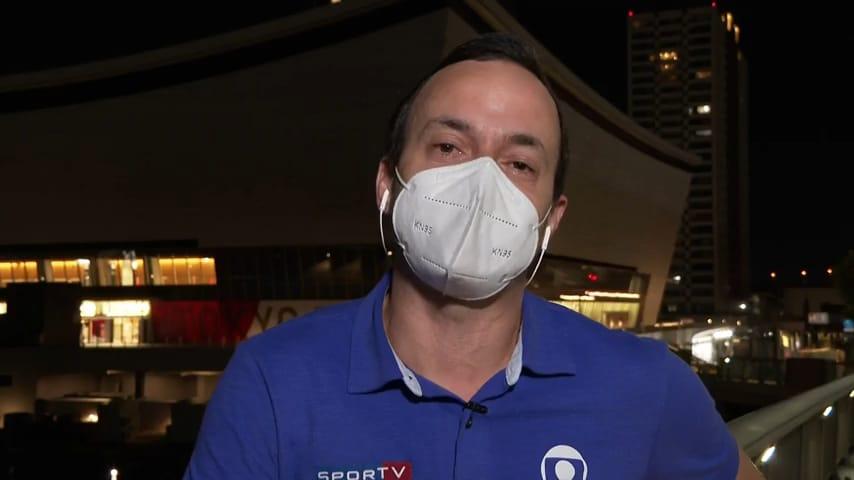 Tiago Medeiros, repórter da Globo, foi surpreendido com homenagem do filho (foto: SporTV/Reprodução)