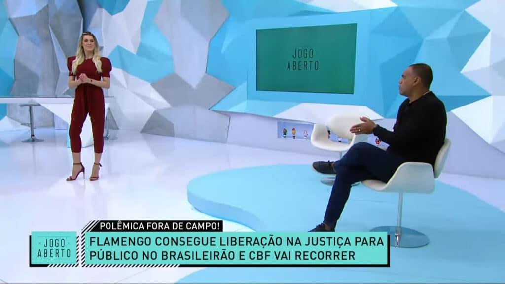 Denilson e Renata Fan criticaram decisão que autorizou público nos jogos em que o Flamengo for mandante (foto: Reprodução/Band)