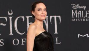 Angelina Jolie é a protagonista do filme que marcará o retorno da Sessão de Sábado na Globo (foto: Divulgação/Disney)