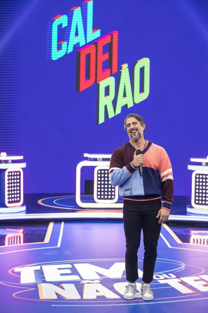 Marcos Mion grava o quadro Tem ou não tem no novo Caldeirão (foto: Globo/João Cotta)