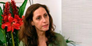 Claudia Souto é a autora da novela Pega Pega, reprisada pela Globo às 19h (foto: Reprodução/TV Globo)