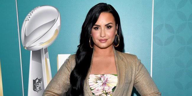 Jornal Nacional errou ao apresentar Demi Lovato como mulher (foto: Divulgação)