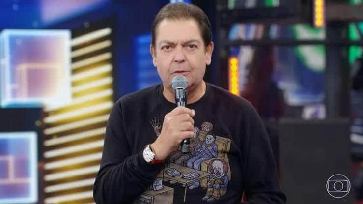 Faustão já está praticamente recuperado de cirurgia (foto: Reprodução/TV Globo)