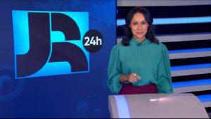 Salcy Lima apresentou a edição da meia-noite do Jornal da Record que zerou na audiência (foto: Reprodução/Record)