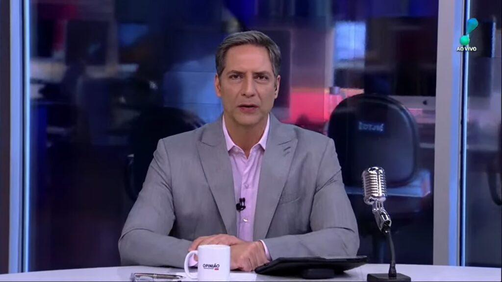 Luís Ernesto Lacombe fez a RedeTV! passar por vexame histórico na audiência (foto: Reprodução/RedeTV!)