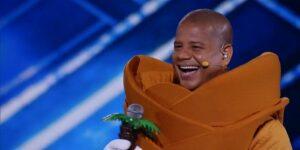 Marcelinho Carioca ficou incrédulo com convite para o The Masked Singer Brasil (foto: Reprodução/TV Globo)