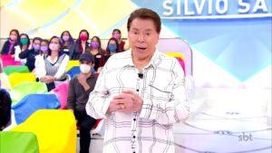 Silvio Santos em sua última aparição pública, em seu programa transmitido na noite de 8 de agosto (foto: Reprodução/SBT)