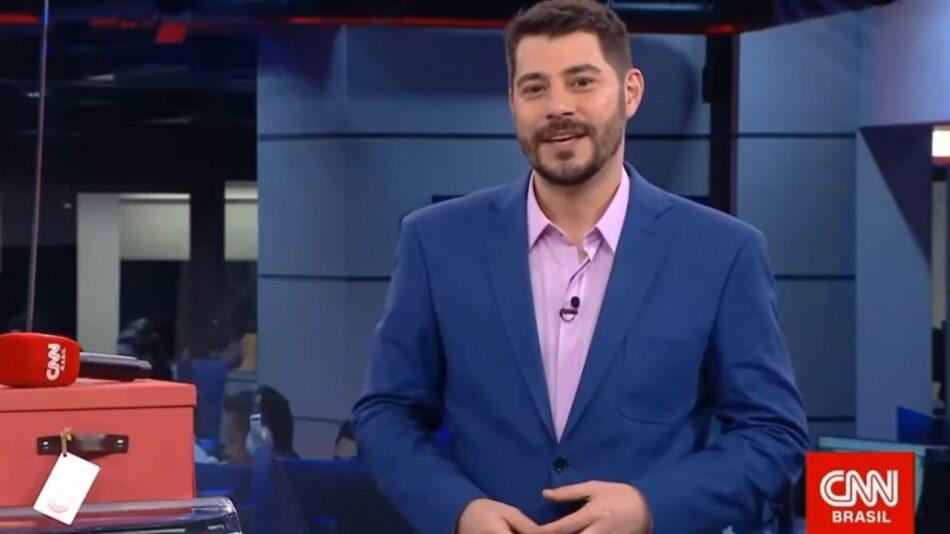 """Evaristo Costa afirma que sua saída da CNN Brasil foi """"sabotagem"""" (foto: Reprodução)"""