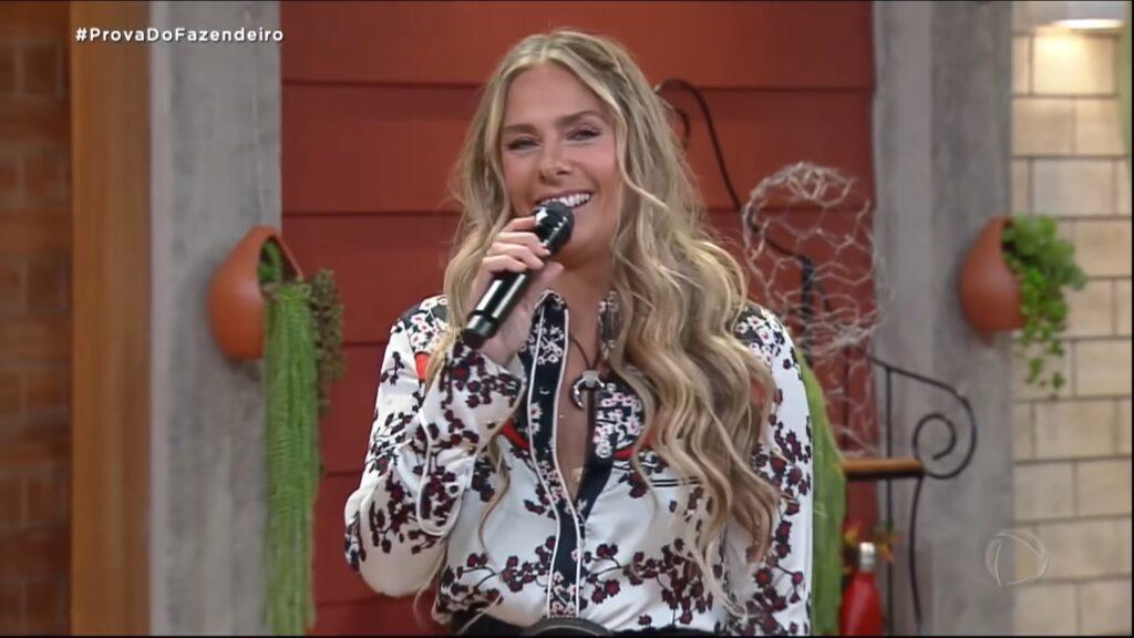 Adriane Galisteu venceu a Globo no seu segundo dia em A Fazenda (foto: Reprodução/Record)