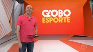 Alex Escobar é o apresentador do Globo Esporte no RJ: programa será reformulado (foto: Reprodução/TV Globo)