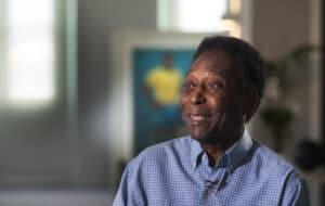 Pelé em entrevista para os 45 anos do Esporte Espetacular, da Globo; ex-jogador descobriu tumor após realizar exames (foto: Globo/Reinaldo Marques)