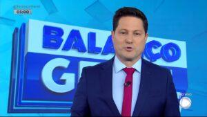 Eleandro Passaia estreou como apresentador do Balanço Geral Manhã (foto: Reprodução/Record)