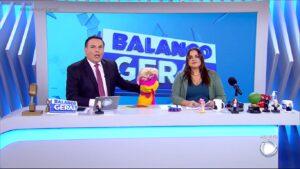 Reinaldo Gottino, cobra Judite e Fabíola Reipert na bancada de A Hora da Venenosa