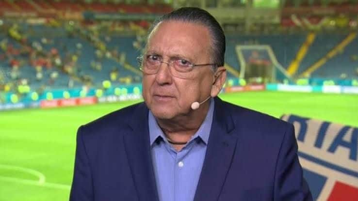Galvão Bueno aproveitou transmissão do futebol para mandar abraço para Faustão (foto: Reprodução/TV Globo)