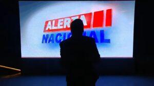 Falha elétrica deixou Sikêra Jr. às escuras durante o Alerta Nacional (foto: Reprodução/TV A Crítica)