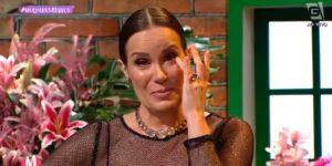 Regina Volpato se emocionou durante programa especial do Mulheres (foto: Reprodução/Gazeta)