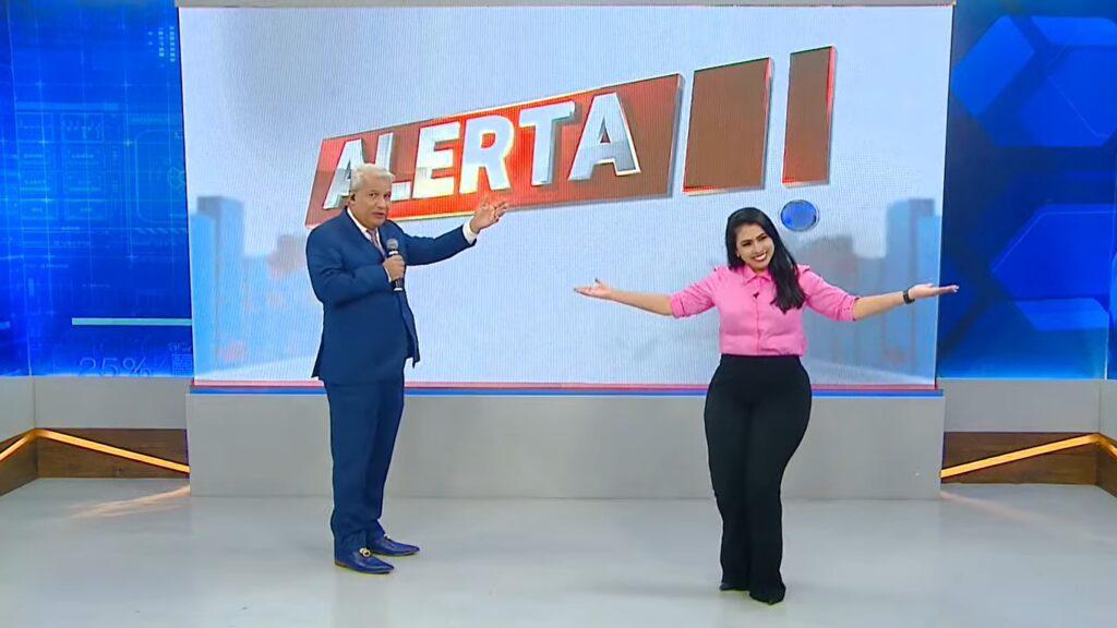 Sikêra Jr. foi substituído por Mayara Rocha no comando do Alerta Nacional (foto: Reprodução/TV A Crítica)