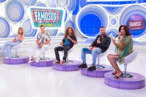 Imagem dos jurados do quadro Famosos da Internet no palco do programa Eliana