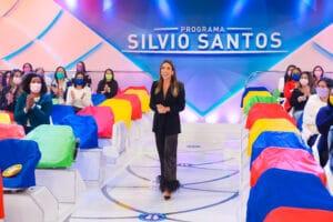 Imagem de Patricia Abravanel em gravação no auditório do Programa Silvio Santos