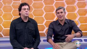 Walter Casagrande (à esquerda) e Ivan Moré no cenário do Globo Esporte