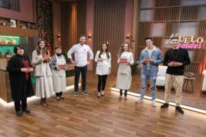 Imagem da apresentadora Ticiana Villas Boas com os convidados do Duelo de Mães