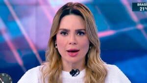 Imagem da apresentadora Rachel Sheherazade apresentando o SBT Brasil