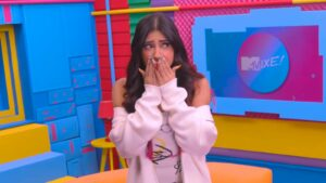 A apresentadora Ingrid Ohara nos estúdios da MTV Brasil