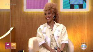 Imagem da cantora Karol Conká durante participação no Encontro