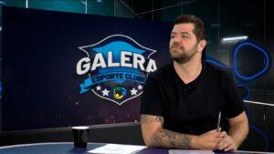 Victor Sarro no estúdio do Galera Esporte Clube; humorista assumiu o comando do Encrenca